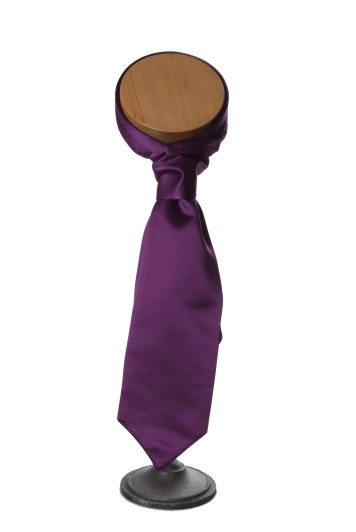 aubergine wedding cravat