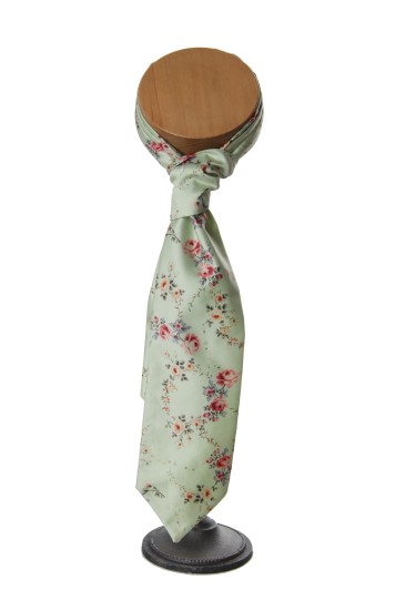 green tea rose wedding floral vinatge cravat grooms