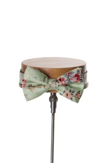 GReen Grooms wedding bow tie floral