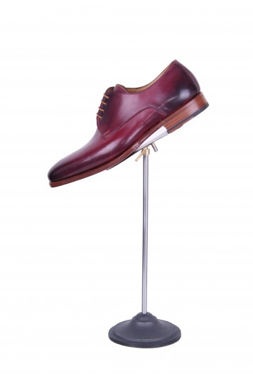 Bespoke burgundy derby