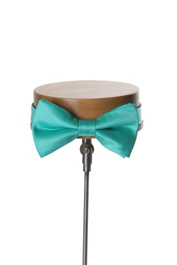 Ribbed spearmint wedding bow tie